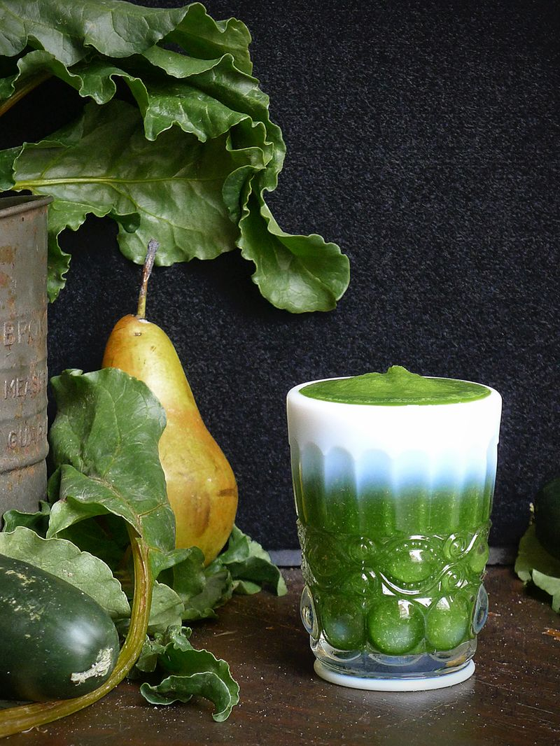 Pear Cucumber & Kale Smoothie